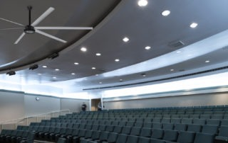 Model: AVD 370 in Lecture Hall