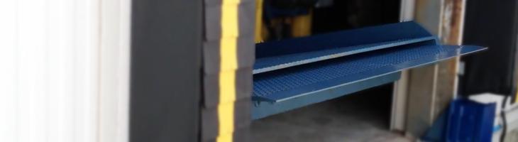 Telescoping-Lip dock leveler