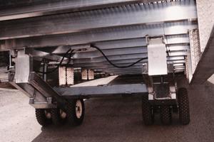 Mobile yard ramp