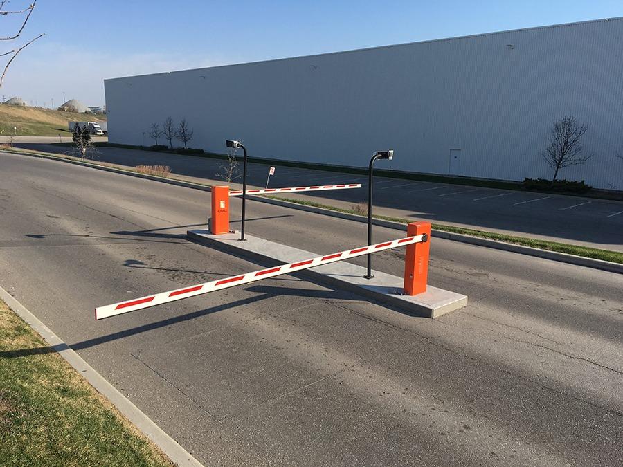 FAAC B680H swing arm barrier gate runs for 2 million